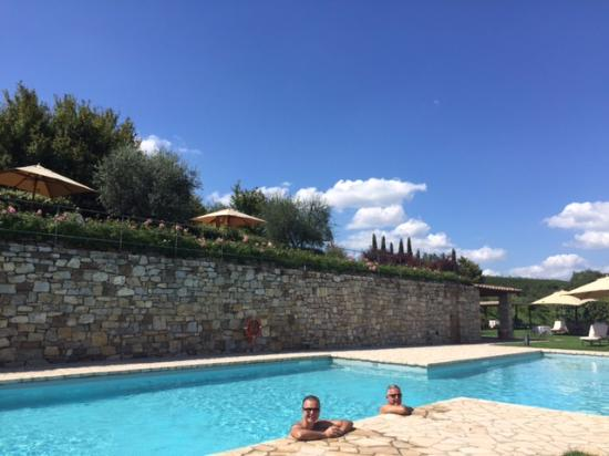 Pianella, Italy: piscina externa