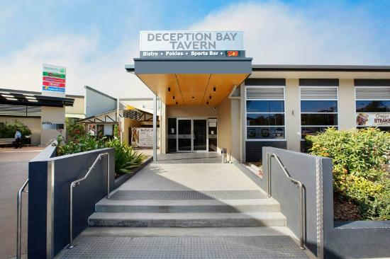 Lunch At The Deception Bay Tavern Traveller Reviews Tripadvisor