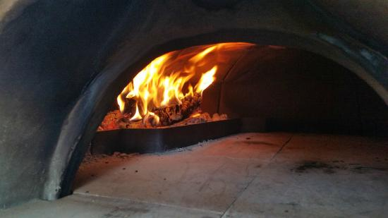 Terrebonne, OR: wood fired pizza oven