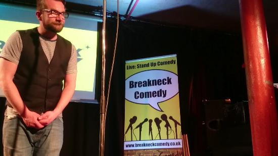 Breakneck Comedy Club: Best place to be on a sat night for sure...
