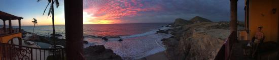 Todos Santos, Mexico: Beautiful sunset view from our balcony