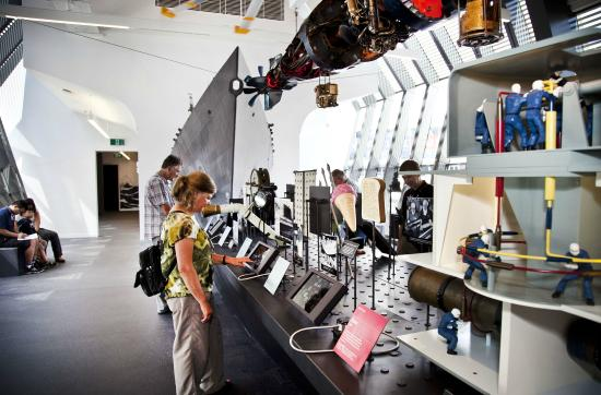 Musée national de la marine de Sydney : Interactive Discovery Tables to learn abou the history of the Navy