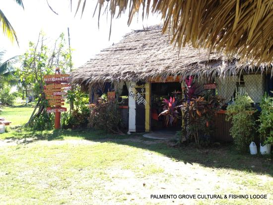 Palmento Grove Cultural & Fishing Lodge