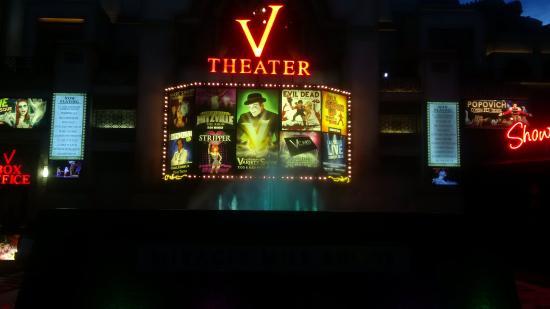 Gregory Popovich's Comedy Pet Theater: v theater