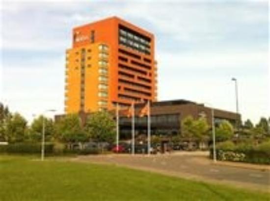 Duiven, Países Bajos: gelegen aan de A12 met voldoende parkeerruimte