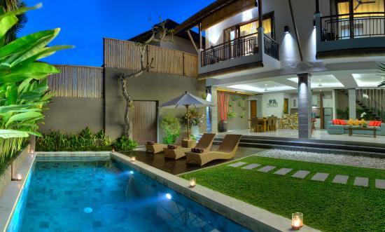 The Kumpi Villas
