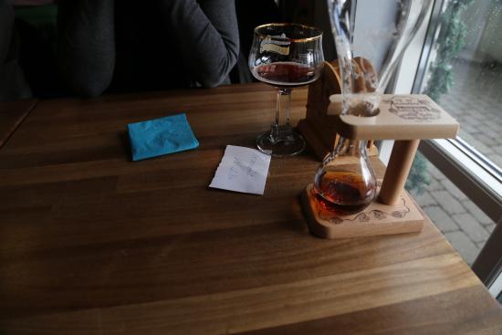 """Albaek, Dinamarca: The famous """"Kwak"""" beer"""