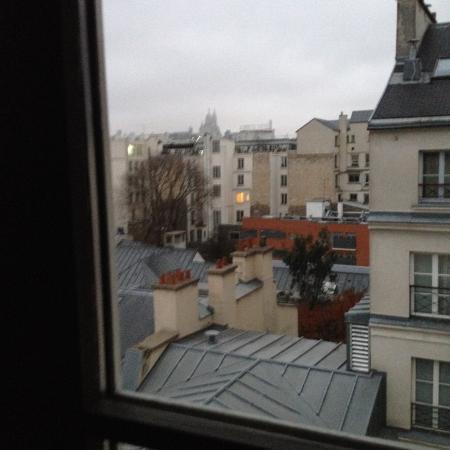 Mercure Paris Opera Grands Boulevards: Veduta sui tetti di Parigi e del Sacro Cuore