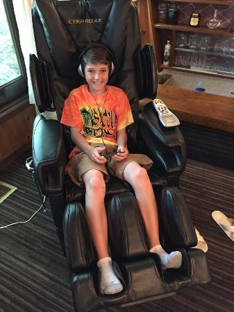 Genial Grove Inn Skala: Massage Chair   This Was A Hige Hit With The Kids