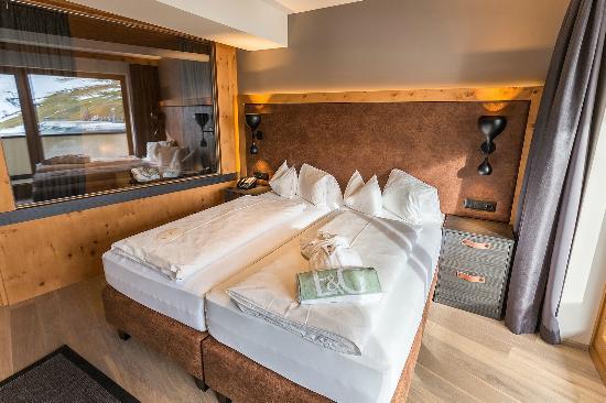 Hotel Edelweiss & Gurgl: Ramolsuite Schlafzimmer