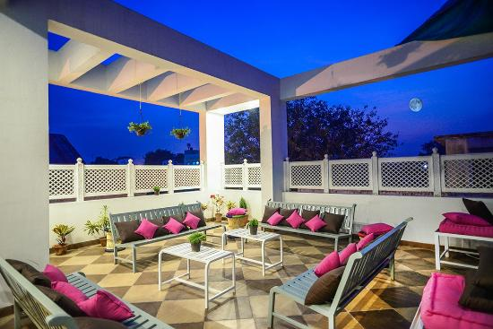 Zostel Jaipur: Rooftop area!