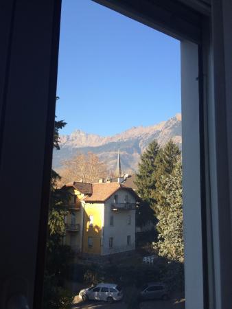 Hotel Garni Domus Mea: Vista dalla camera sul retro