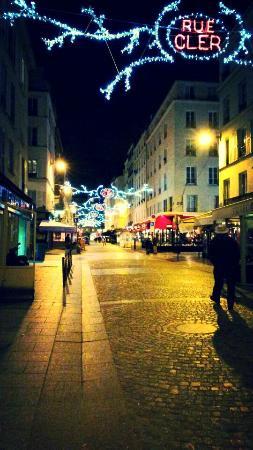 La rue cler picture of cler hotel paris tripadvisor for Cler hotel paris