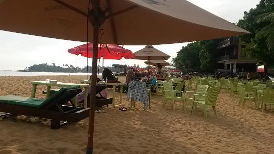 Tartaruga Hotel & Beach Restaurant: beachside views