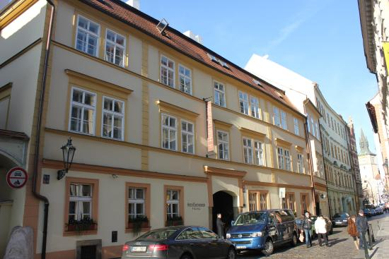 Fa ade de l 39 h tel picture of hotel leonardo prague for Design hotel jewel prague tripadvisor