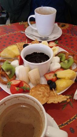 Cafe Chocolate of Lititz: Chocolate Fondue for 2