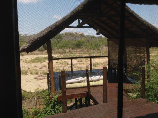 Jock Safari Lodge: Outdoor porch