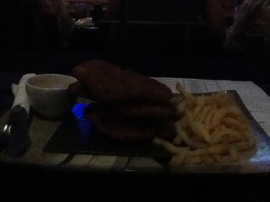The Barnyard Theatre Cresta: Schnitsel and chips