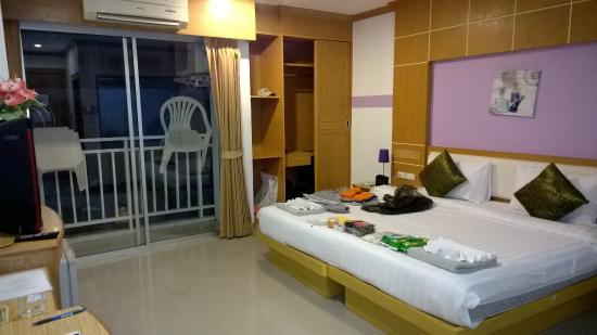 Sunshine Patong Resort: общий вид номера