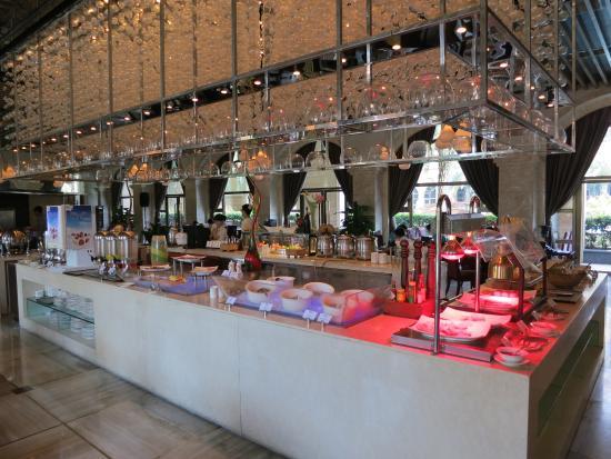 Howard Johnson Riverfront Plaza Fuzhou : Buffet restaurant