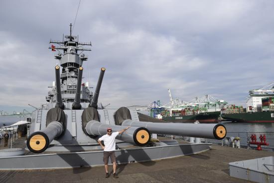 battleship-uss-iowa-bb.jpg