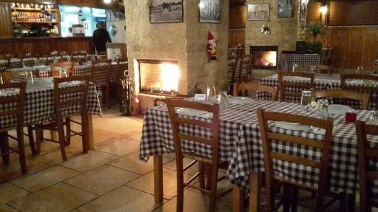 Alethriko, Chipre: Filotimo