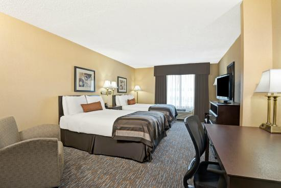 Wingate by Wyndham Cincinnati/Blue Ash: Two Double Bedded Room