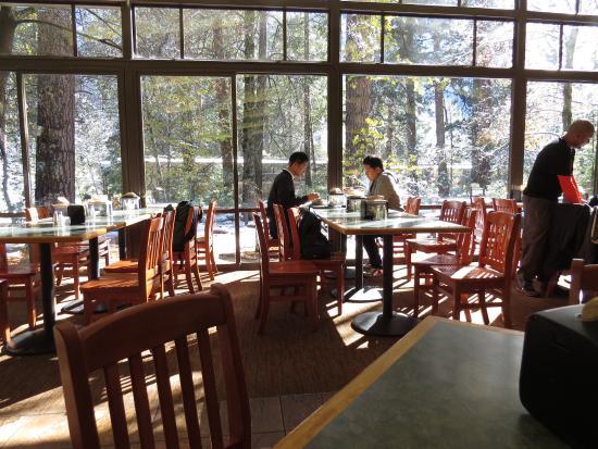 Yosemite Valley Lodge: Food Court Dining