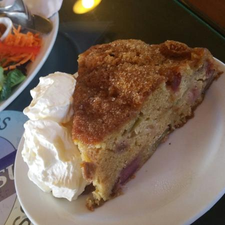 Purple Possum: Best Rhubarb Cake ever !