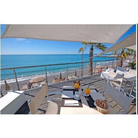 la spiaggia plage cagnes sur mer restaurantbeoordelingen tripadvisor. Black Bedroom Furniture Sets. Home Design Ideas
