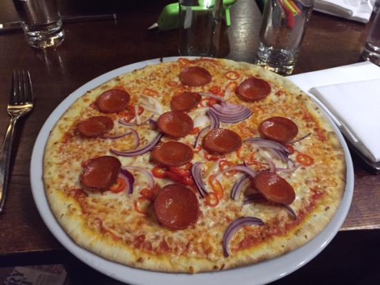 The Villa Express Kirkham: Excellent Pizza