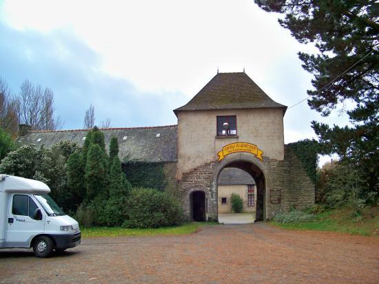 Nivillac, ฝรั่งเศส: Entrée de l'auberge du grand baud