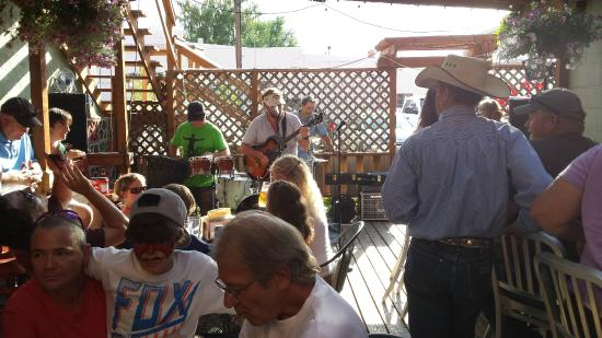 Buffalo, WY: live music on the patio.