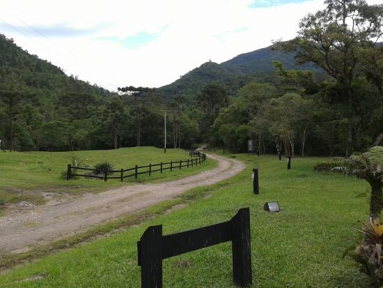 Bananal, SP: Estrada de acesso.