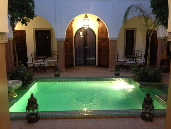Riad el Noujoum: the beautiful courtyard pool