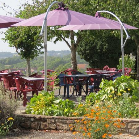 Le Bourg d'Hem, France: terrasse avec vue panoramique