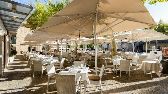 L'illa Cafe & Bistro