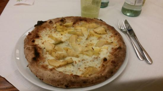 Pizzeria Marechiaro: 20151208_190432_large.jpg