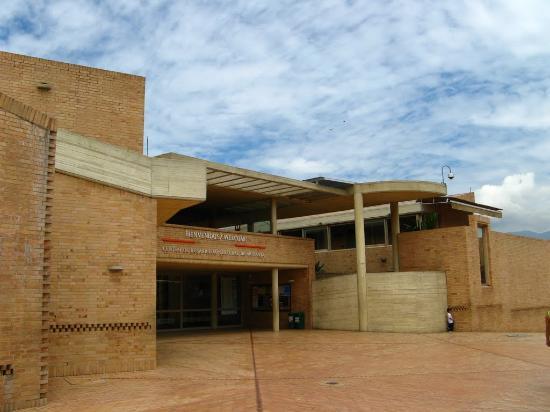 Centro Cultural Moravia