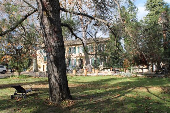 Domaine de Rhodes: Blick vom Park