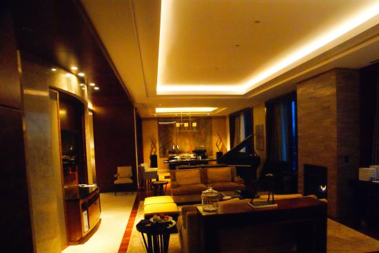 Presidential Suite living room - Picture of Four Seasons Hotel ...