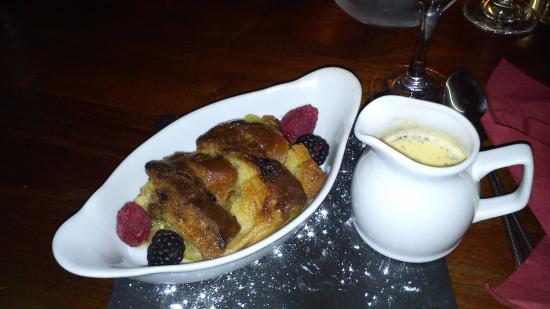 Pershore, UK: Panettone Bread and Butter Pudding