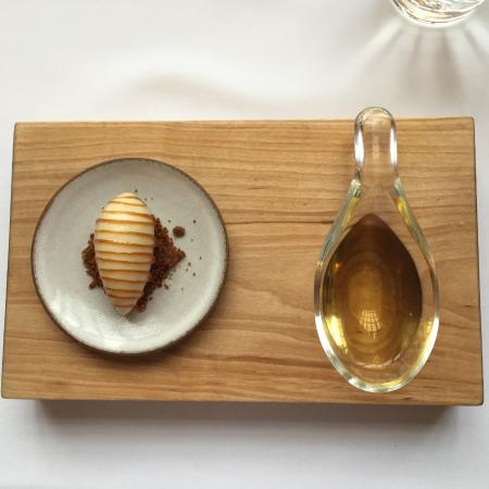 Ice with honey and sweet wine