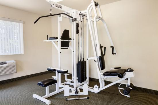 Red Lion Inn & Suites Susanville: Fitness Facility