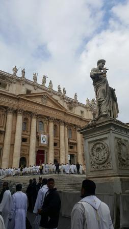 Vatican: 20151208_110544_large.jpg