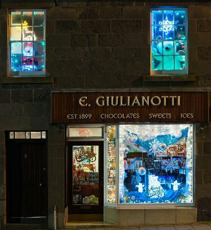 Stonehaven, UK: E Giulianotti ready for Xmas 2015