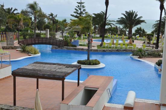 Foto de hotel fuerte conil costa luz conil de la for Piscina conil