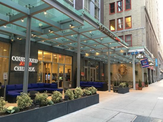 Courtyard New York Manhattan Chelsea Entrance