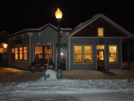 The Ruby of Crested Butte - A Luxury B&B: Downtown @ night