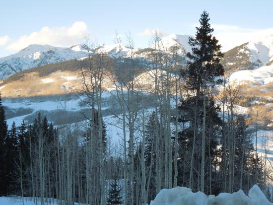 The Ruby of Crested Butte - A Luxury B&B: From the road going up the mountain